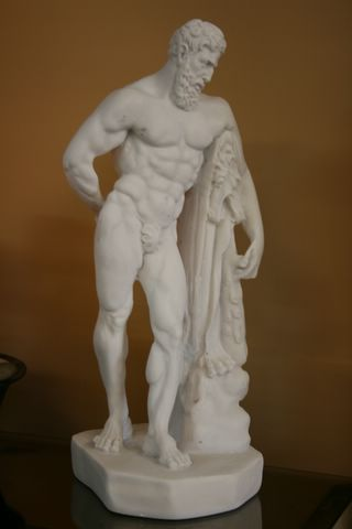 EXQUISITE GRECIAN MALE SCULPTURE STATUE